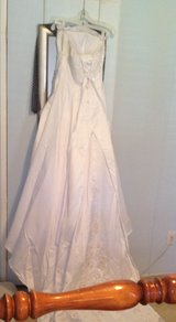 Bridal gown,veil,blusher and slip in Cochran, Georgia