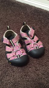 Keens toddler size 5 in Travis AFB, California