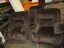 new recliners $300 ea in Fort Campbell, Kentucky