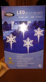 CHRISTMAS - LED SNOWFLAKE LAWN STAKES - SET OF 4 - USED in Okinawa, Japan