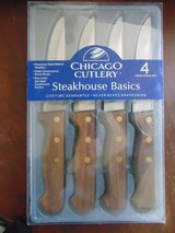 NEW in PACKAGE 4 Chicago Cultery Steak Knives in Chicago, Illinois