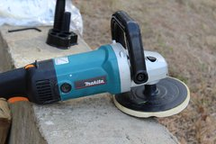 Makita 9237CX3 7-Inch Variable Speed Polisher-Sander with Polishing Kit in Fort Benning, Georgia