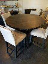 Dinning room table and 4 chairs in Kirtland AFB, New Mexico