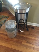 turkey fryer like new 20 lb cylinder in Naperville, Illinois