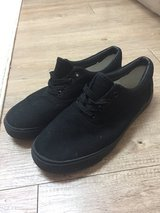 Black shoes size 10 in Los Angeles, California