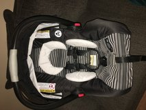 Graco car seat in San Diego, California