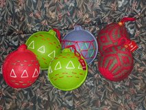 """6 NWT 4""""x4"""" ball ornaments in Glendale Heights, Illinois"""