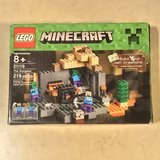 LEGO Minecraft The Dungeon Set Complete in Box in Fairfield, California
