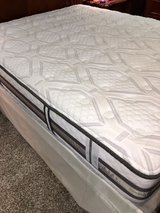 Serta i-Series Comfort Queen mattress over $1,000 at Furniture Mart -almost new- in Okinawa, Japan