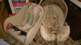 Baby car seat combo in Yorkville, Illinois