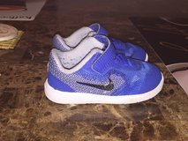 Size 5 toddler Nike blue shoes in Ramstein, Germany