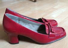 Sz 11 Red Patent Leather Shoes in Ramstein, Germany
