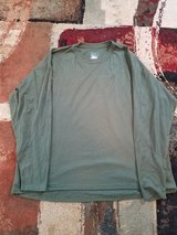 (2) 2XL Men's crew OD Green shirt in Camp Lejeune, North Carolina