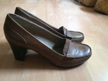 Sz 11 Brown Leather Pumps in Ramstein, Germany