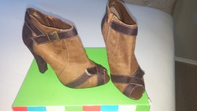 Women's ankle boots Sz 9 shoes in Fort Hood, Texas