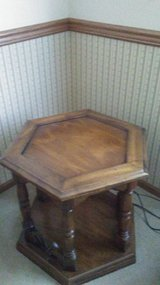 Octagon table in Batavia, Illinois