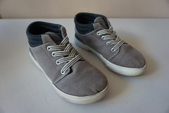 Boys Carters Grey High Top Slip-On Shoes Size 13 in Lockport, Illinois