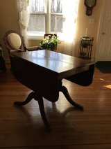 Drexel Mahogany drop leaf table in Bartlett, Illinois
