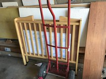 Roll away crib in Glendale Heights, Illinois