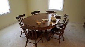 Used Dining room set in Perry, Georgia