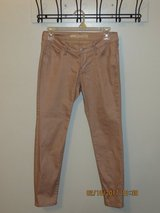 Old Navy Gold Rock Star Pants - Size 6 Short in Glendale Heights, Illinois