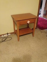 nice side table with drawer/SOLID WOOD in Lawton, Oklahoma