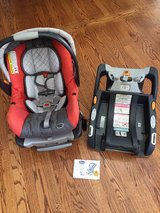 chicco Keyfit 30 with extra base! in Bartlett, Illinois