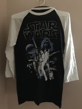 Star Wars T-shirt in Glendale Heights, Illinois