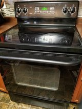 Black / Smooth Top / Electric Stove in Fort Campbell, Kentucky