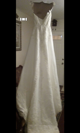 New wedding dress. in Hinesville, Georgia