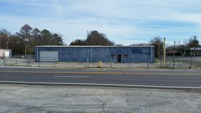 Automotive Shop Great Investment Property. in Byron, Georgia