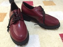 Maroon Lace Up Loafers sz.7 in bookoo, US