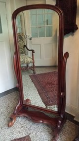 Mahogany dressing stand mirror in Bamberg, Germany