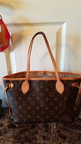 Authentic louis vuitton neverfull pm bag in Fort Bliss, Texas