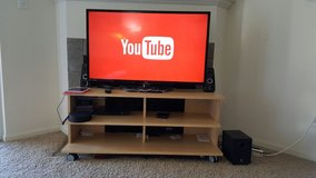 LG tv with Stand in Aurora, Illinois