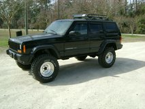 SUPER CLEAN LIFTED 2000 JEEP CHEROKEE in Camp Lejeune, North Carolina
