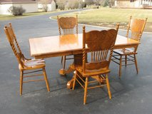 Table & Chairs ( Oak ) in Lockport, Illinois
