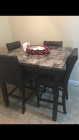 Dinning table of 4 in Temecula, California