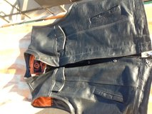 Biker vest /black leather - Size : 2XL / 2 carry weapon pocket .call :785-307-4069 in Fort Riley, Kansas