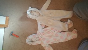 3 month girl wintersuits in Fort Carson, Colorado