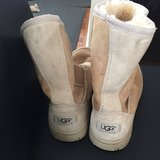 Womans Uggs size 6 in Naperville, Illinois