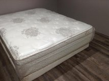 Therapedic Grand Legacy Queen Mattress in Tomball, Texas