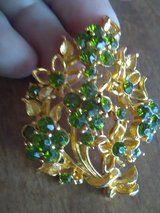 Vintage mamselle green rhinestone flower brooch in Coldspring, Texas