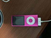 Pink iPod 8gb in bookoo, US