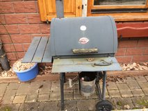 Char-Broil Grill w/ Cast Iron Grates in Ramstein, Germany