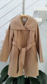 Women coat brown almost new size 40 in Ramstein, Germany