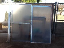 Tub shower doors in Yucca Valley, California