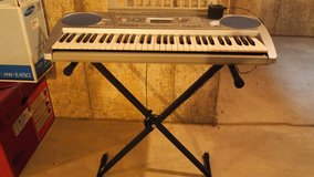 Yamaha Keyboard PSR 275 With Stand in Lockport, Illinois