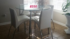 White 4 chairs kitchen table,,, Just reduced! in Fort Rucker, Alabama