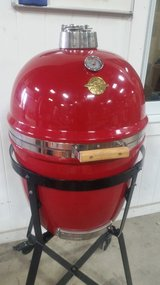"Grill Dome "" New never used "" in Joliet, Illinois"